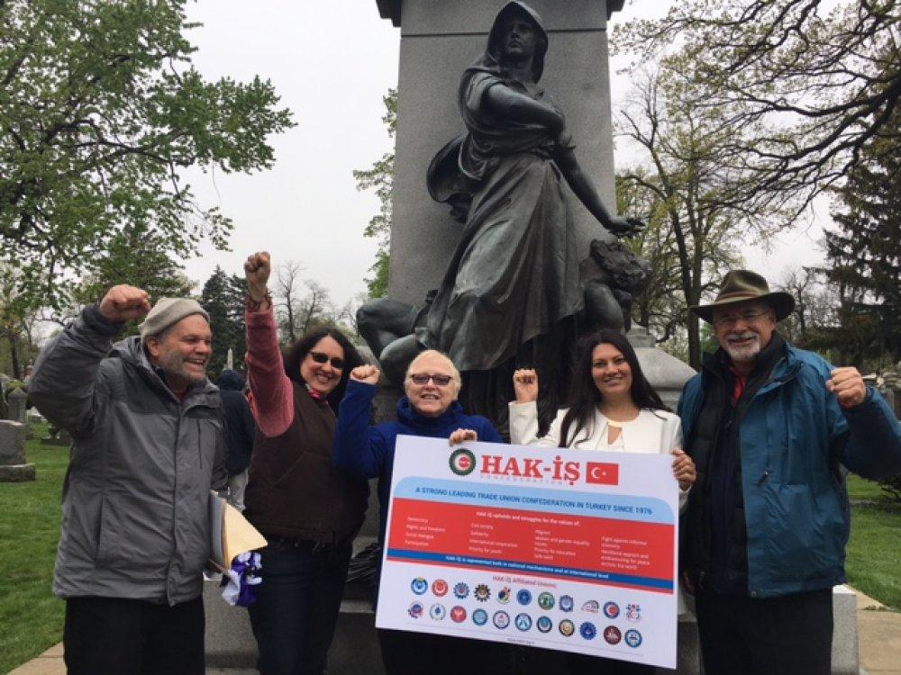HAK-İŞ KONFEDERASYONU VE BAĞLI SENDİKALARI 1 MAYIS'TA ŞiKAGO'DA TARİHE GEÇTİ