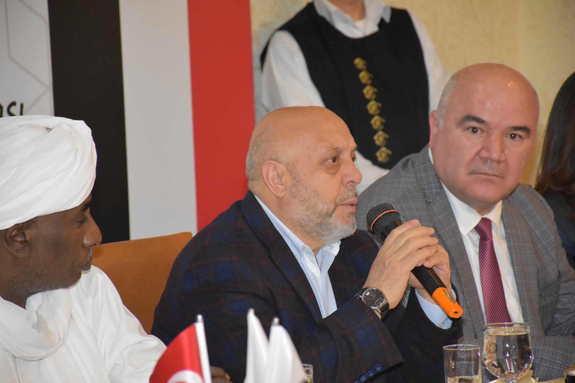 ARSLAN, SUDAN'LI SENDİKACILARLA BİR ARAYA GELDİ