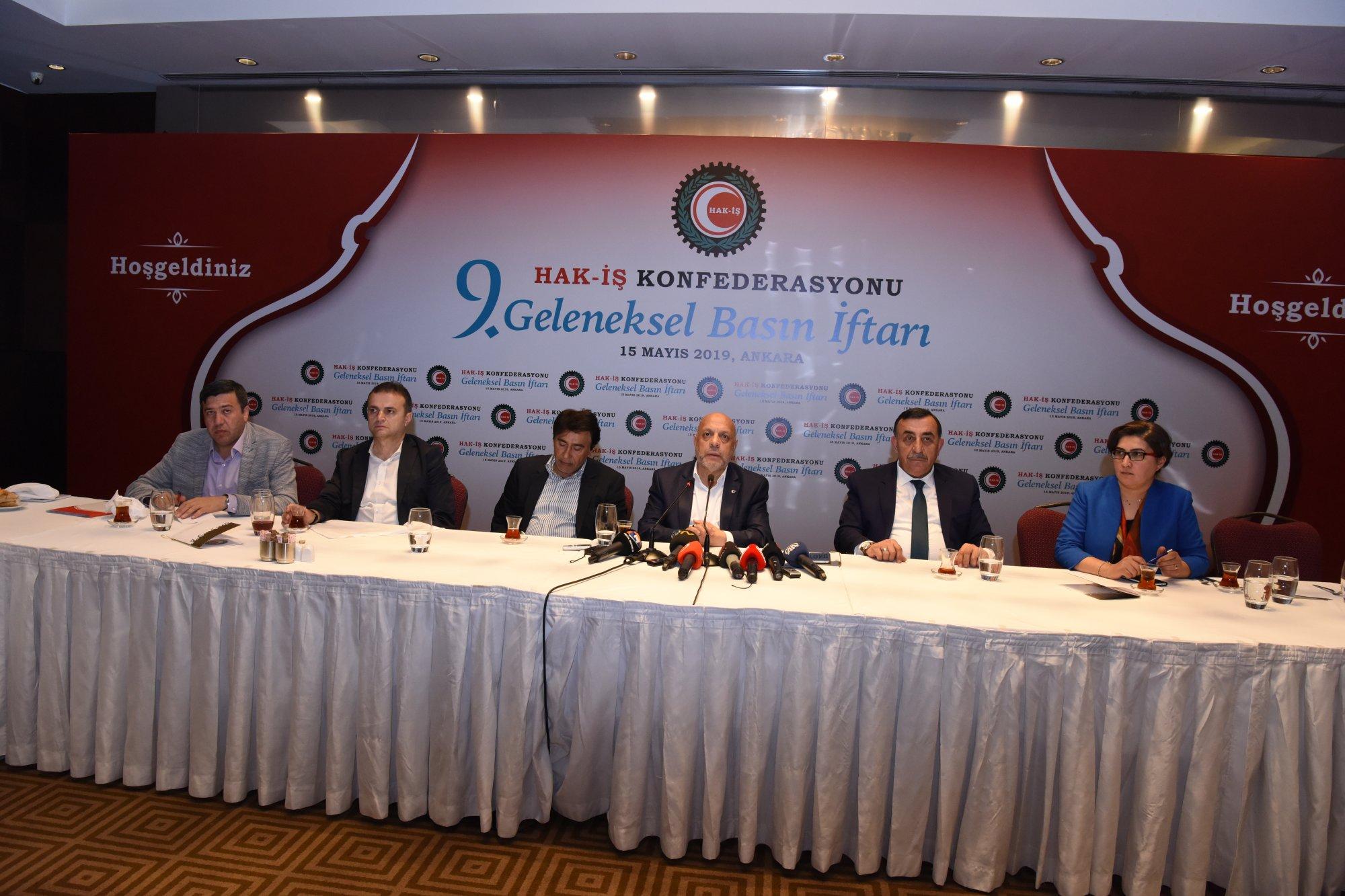 HAK-İŞ 9. GELENEKSEL BASIN İFTARINDA BASIN MENSUPLARIYLA BİR ARAYA GELDİK