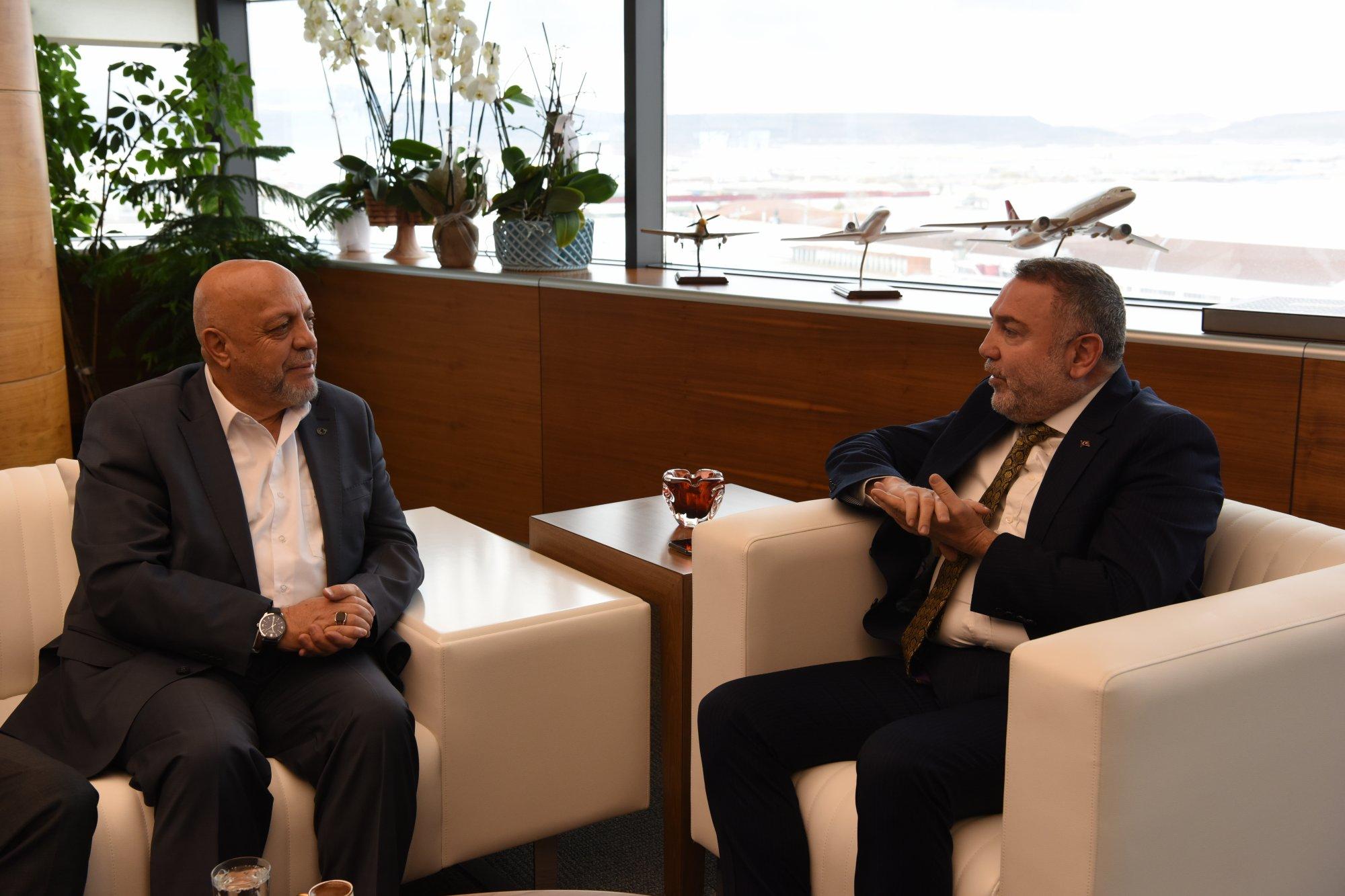ARSLAN'DAN ERCİYES ANADOLU HOLDİNG'E ZİYARET