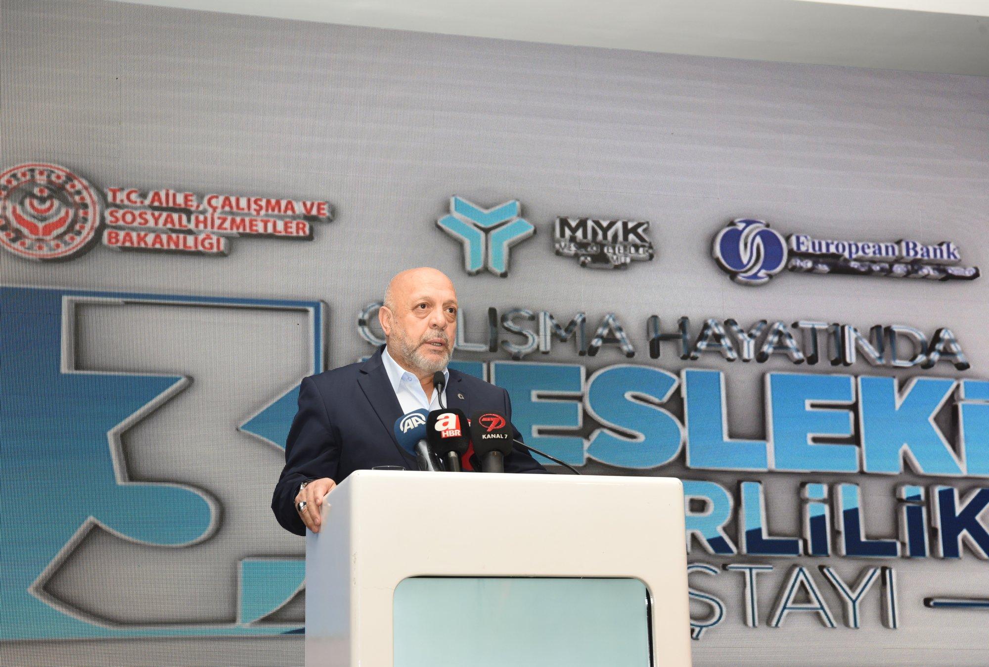 ARSLAN, ÇALIŞMA HAYATINDA MESLEKİ YETERLİLİK 3. ÇALIŞTAYINA KATILDI