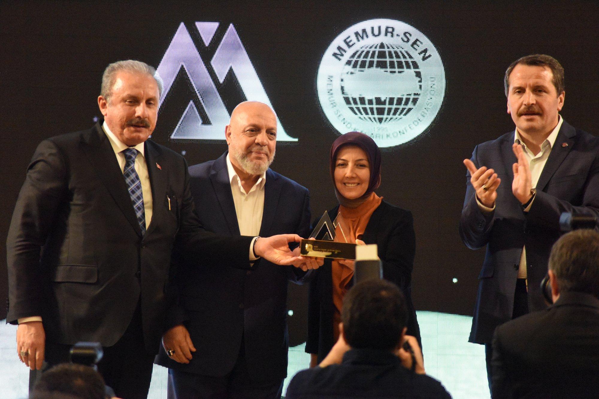 ARSLAN, AKİF İNAN'I ANMA PROGRAMINA KATILDI
