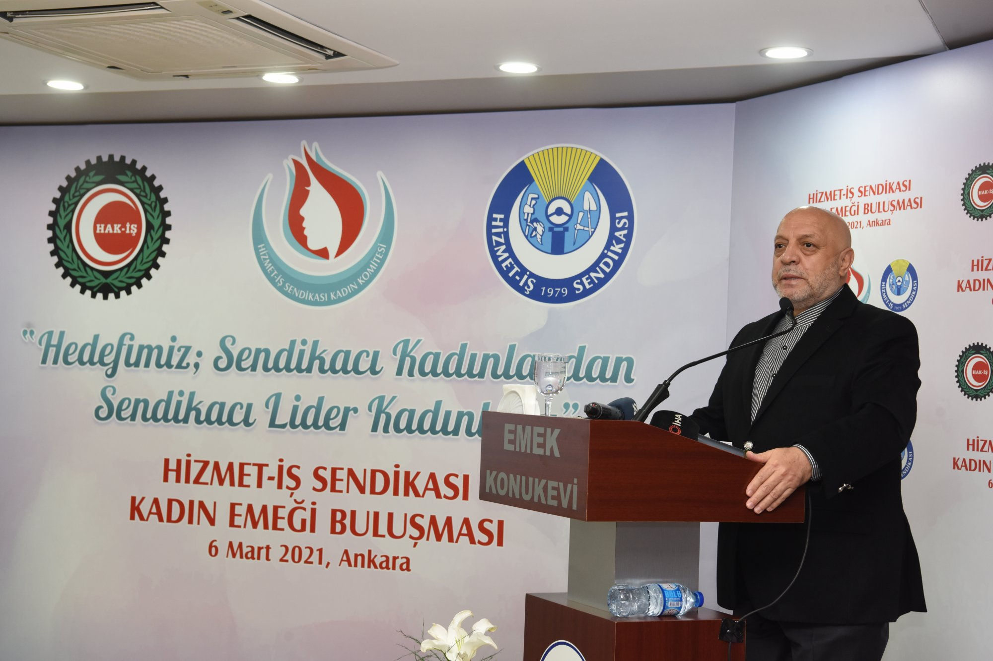 ARSLAN, HİZMET-İŞ SENDİKAMIZIN KADIN EMEĞİ BULUŞMASI'NA KATILDI