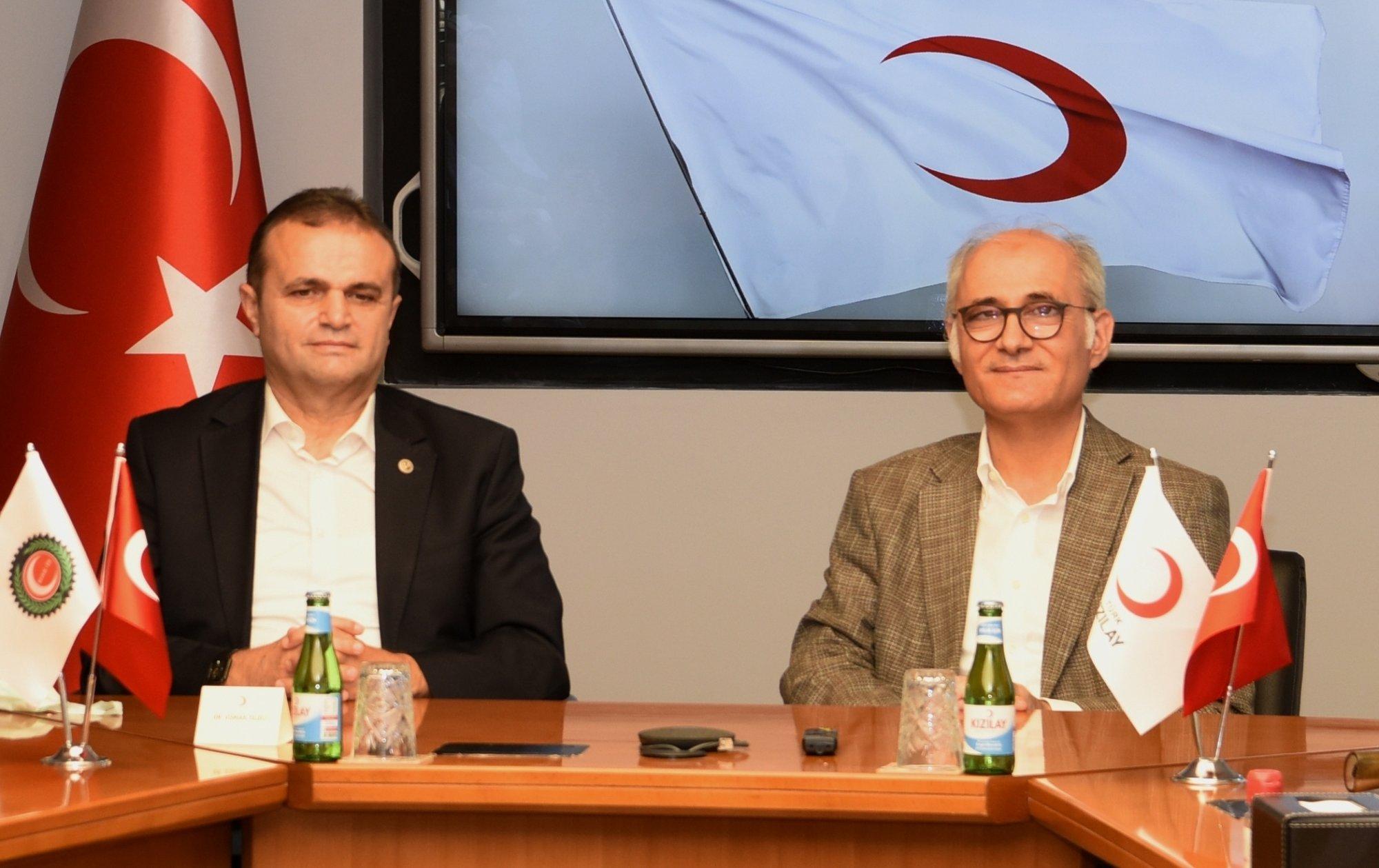 """YILDIZ, """"TÜRK KIZILAY'A 200 BİN TL'LİK BAĞIŞTA BULUNDUK"""""""